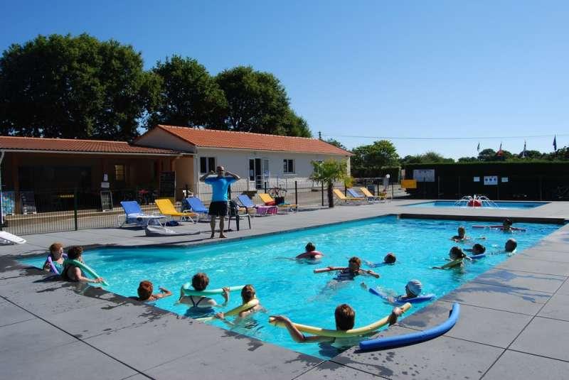 Camping les bleuets technique de p che for Camping avec etang de peche et piscine